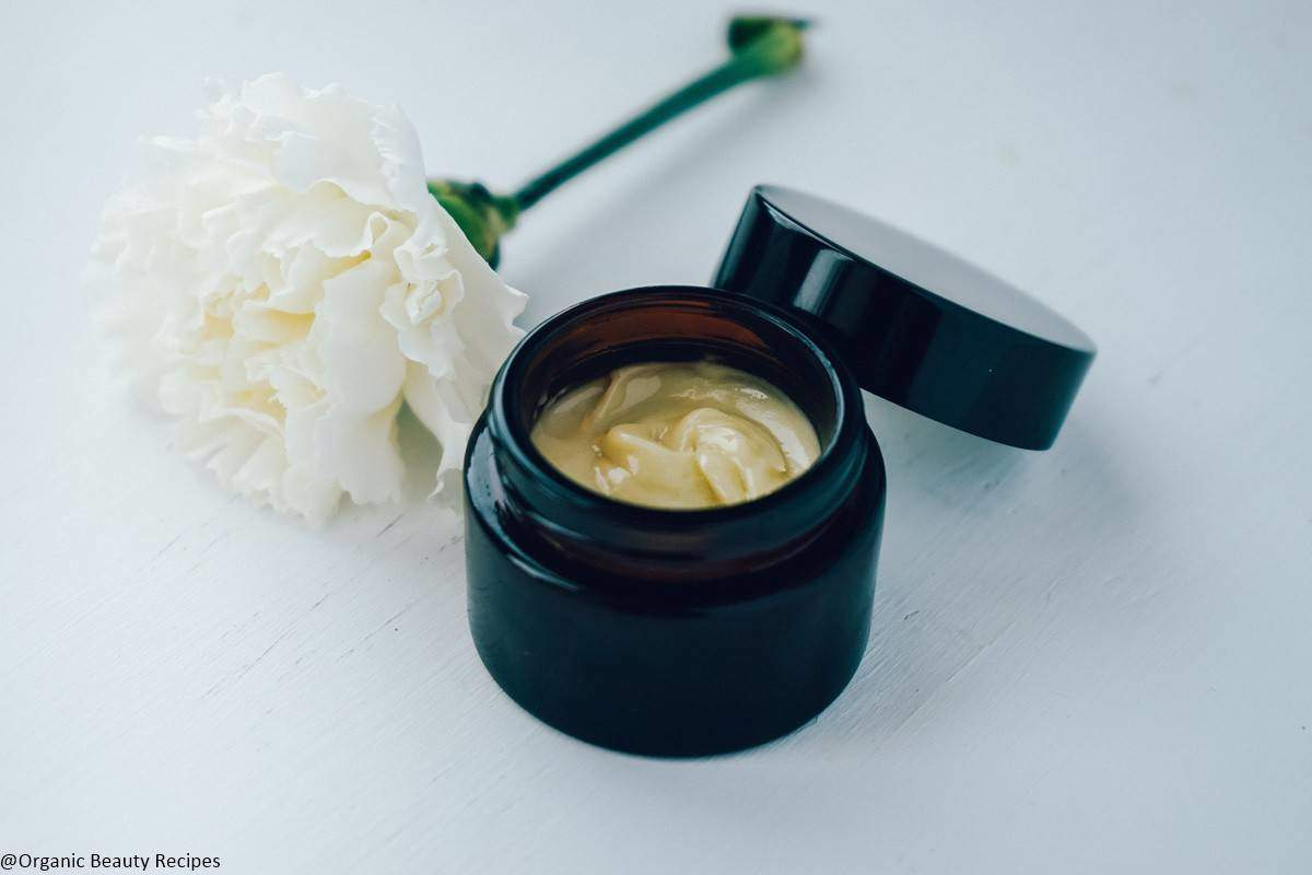 DIY Face Moisturizer with Royal Jelly