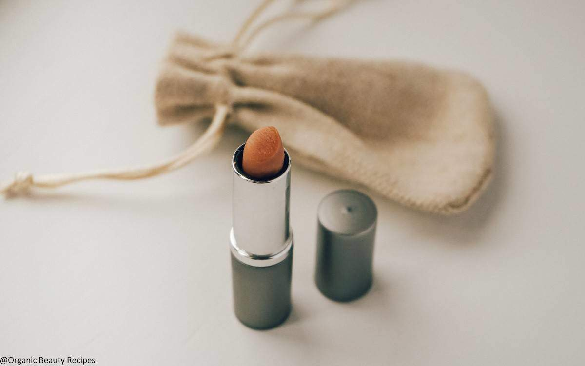 DIY Matte Lipstick Without Beeswax | Organic Beauty Recipes